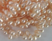 50 Vintage Dainty Pale Pink Faux Pearl Teardrop Bead Drops Bd1353