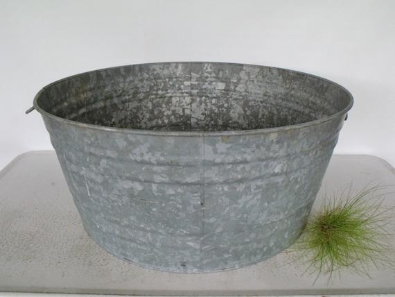 26 large tub galvanized metal basin vintage bucket pail for Large metal wash tub