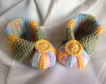 "Knitted baby booties ""Zefirki"" 6 - 9 mo"
