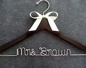 Personalized Hanger, Wedding Hanger with Bow, Satin Bow Bridal Hanger, Bridesmaid Gift Idea, Wedding Coat Hanger, Engagement Gift