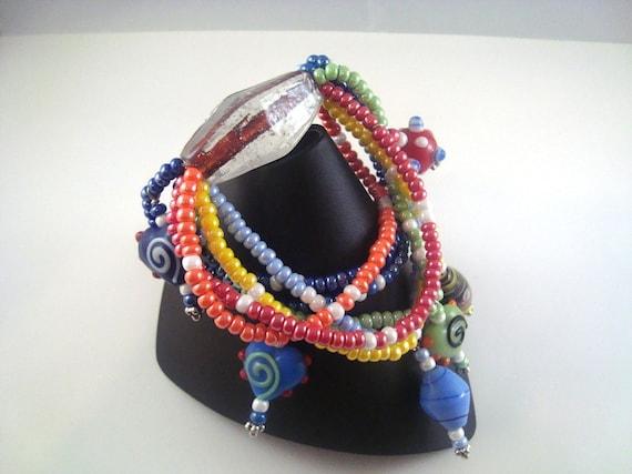 Dangle Bracelet Lampwork Rainbow Dangle Bead Bracelet. B019