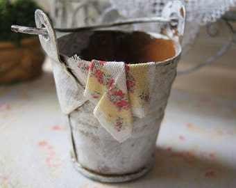 Shabby Distressed Bucket for Dollhouse