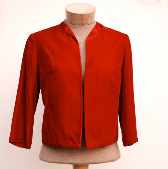 Women's bolero jacket in red velvet, 1950's vintage, petite small.
