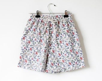 Vintage 1980s Floral Print Drawstring shorts with Pockets