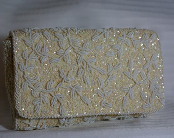 Vtg Regale Beaded Ivory and White Clutch