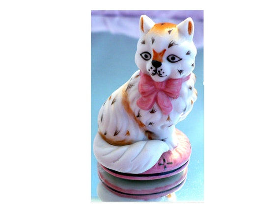 SALE! 1986 Franklin Mint Cat Figurine, Pink Staffordshire, Curio Cabinet Collection, Collectible Figurine, Gift for Her, Gift for Cat Lover