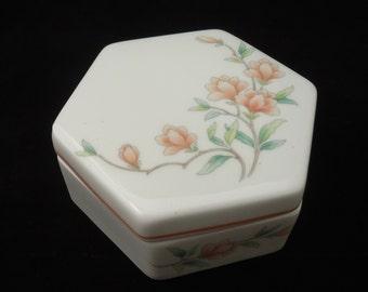 Vintage Trinket box, Wedgwood Bone China Trinket Box, Melanie Pattern Jewellery box, Hexagoal Wedgwood Trinket box, UK Seller
