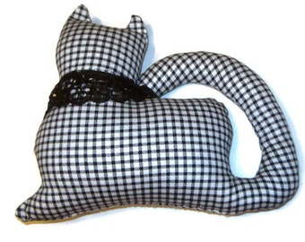 Black & White Plaid  Kitty Cat Window Sitter with a black lace collar
