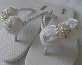 White Bridal Flip Flops / Bridal Rolled Flowers Satin Flip Flops / Bridal Sandals / Wedding Ivory Shoes / Bridesmaids Shoes