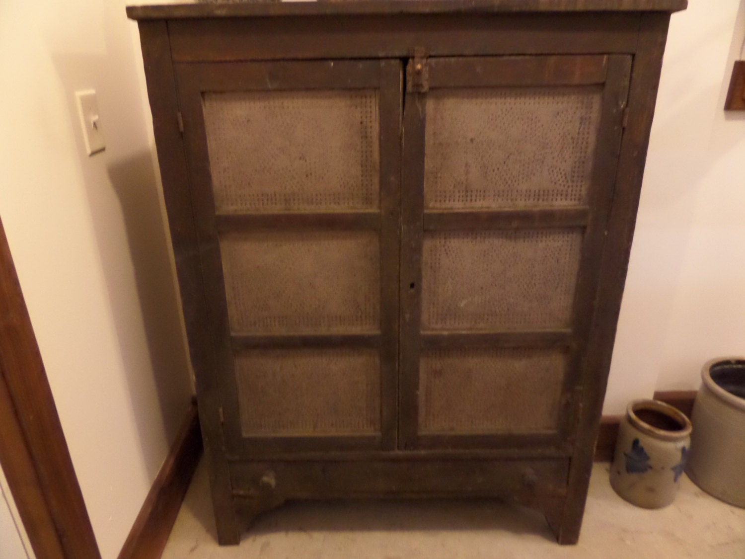 Antique Furniture Primitive Ohio Pie Safe by buckeyeantiques