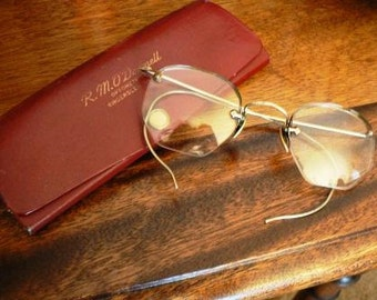 vintage men ... VINTAGE EYE GLASSES red leather case ...