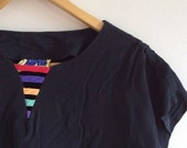 1980s Women's black rainbow stripe shirt sleeve top -  size 8
