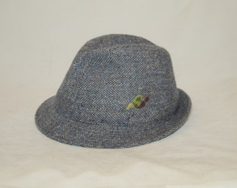 Vintage DONEGAL HANDWOVEN Grey Tweed With Blue and Red Flecks Hat SIZE 7 Handmade in Ireland Exclusively for Harrods