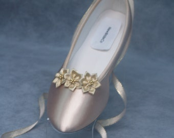 Champagne Wedding Flats w 3 Gold Flowers,Gold Flowers, lace up ballet style slipper, 50th anniversary MOB, comfort and beauty, gold ribbon