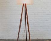 Modern Floor Lamp (white/gold)