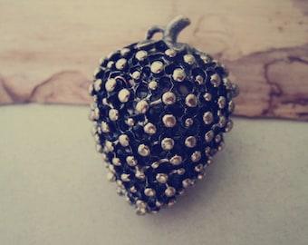 2pcs antique bronze hollow out strawberry pendant  charm 26mmx42mm