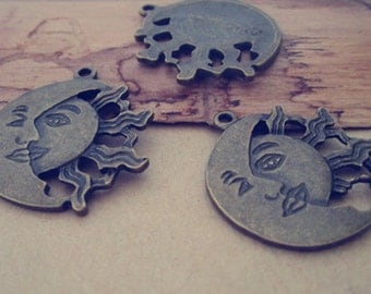 12pcs Antique bronze sun With moon pendant charm 27mm