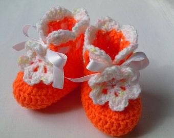 SALE Crochet Baby Booties gift flower