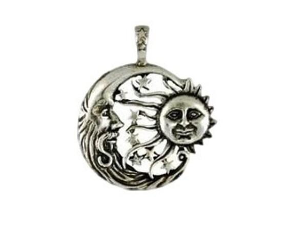 Imagerie céleste lune et soleil pendentif , étain, vent soleil, croissant de lune,