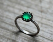 wizard of oz. ring. (deep green chalcedony. faceted gemstone. oxidized sterling silver. jewelry. made to order. stacking ring. handmade)