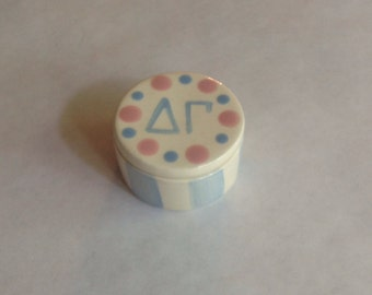 Delta Gamma  Round Pin Box