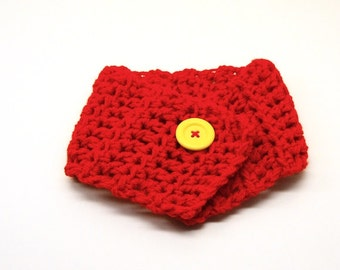 Children scarf 2Y - 8Y, Daphne junior in red with yellow button, for girls and boys
