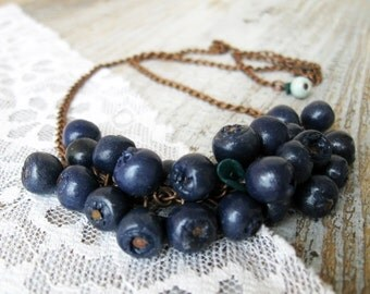 Berries Necklace, Statement Necklace, Blueberries Necklace on a chain, Beaded Necklace, Collar neck, Handmade berry beads