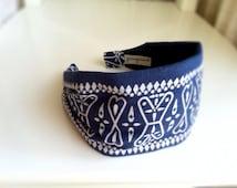 Hair bandana headband for women . Recycled Upcycled Repurposed Vintage Made in USA cotton bandana . Blue White RARE