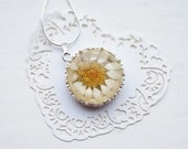 White Daisy Necklace Silver Resin Necklace Real Flower  Mother's day gift  Botanical Yellow Spring Love  Pure Innocent Woodland