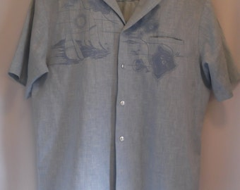 "vintage, IOLANI made in HAWAII chambray island ""MAP"" shirt with sailboats short sleeve in mens size large"