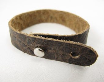 "Brown Narcissus Leather Stud Bracelet 5/8"" Wide"