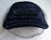 Vintage Women's Raffia Straw Hat In Navy Blue With Veil, In Excellent Condition - A Mad Men Fashion Statement For Sure!