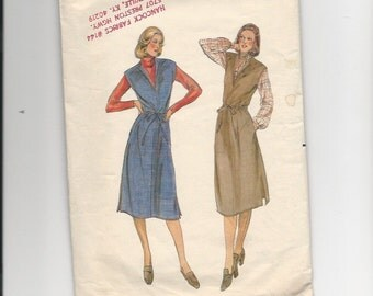Vintage Sewing Pattern Butterick 5641 for Jumper, Sz 10, 1970s