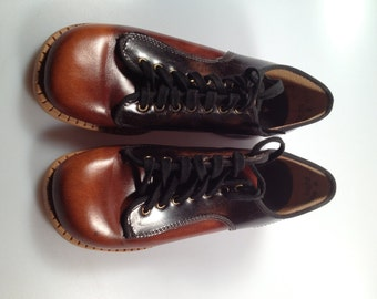 1970s Vintage Girls OXFORD Shoes by TRAVELERS Genuine Leather Never Worn