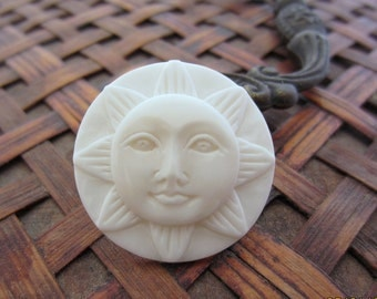 HAnd carved bone sun face  25mm  cabochon , Face Cabochon, Embellishment  B4241
