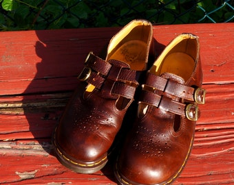 Vintage Dr Martens Mary Janes Brown Leather Sandals Mary Jane Shoes UK 7 US 9 Two Strap & Buckles Doc Martens Doctor Martens Made in England