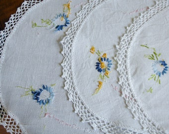 French Country Linen Doilies with crocheted lace edging  set of 3 circa 1960s, hand embroidered, Cottage Chic