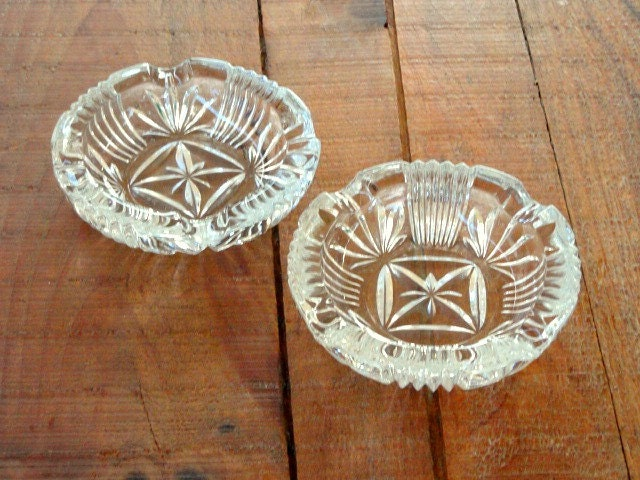 Vintage clear cut glass ashtrays set of 2 home decor How can i cut glass at home