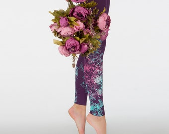 Velvet roses - violet leggings with purple, violet and  mint green print