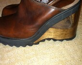 Candies vintage size 7 shoe brown leather wedge open wood heel