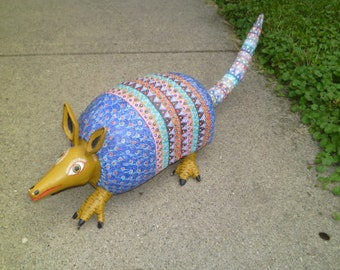 VinTaGe HanD CaRVeD PainTeD MeXiCaN ArMaDiLLo