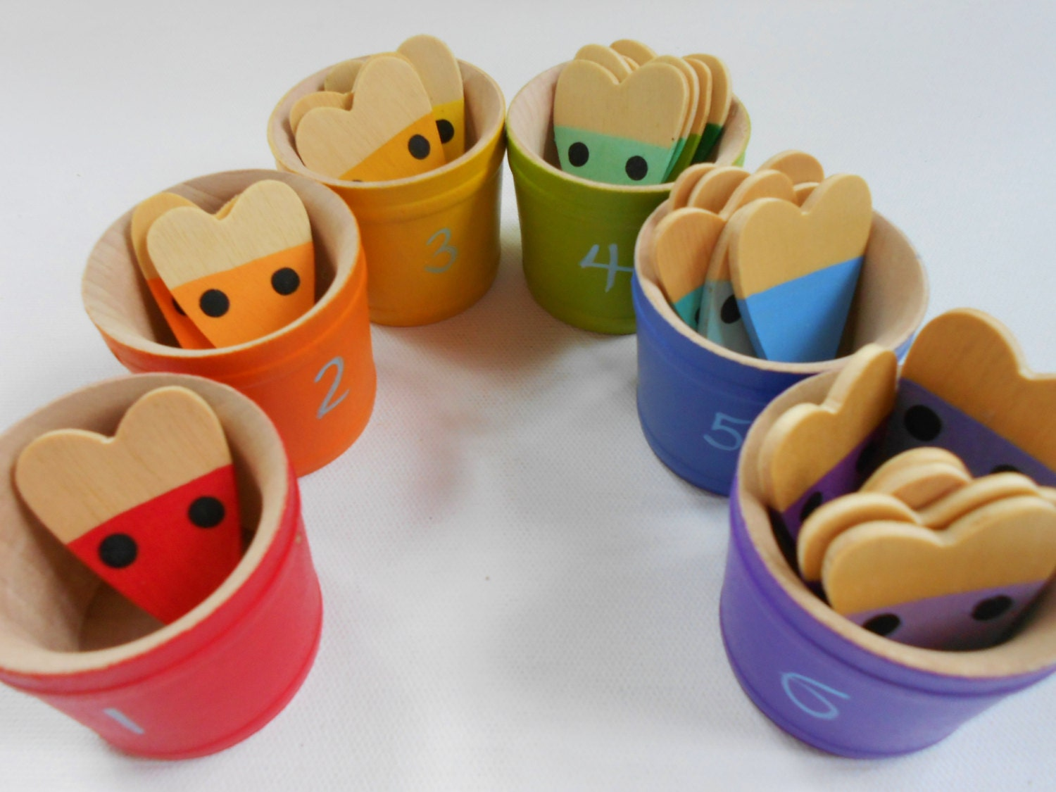 Montessori kids wood color matching sorting mice in buckets - Matching wood pieces of different colors ...