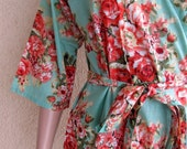 Mint Green Floral Kimono Robe - Makes pretty pictures on wedding day - Gifts for bridesmaids