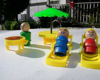 Fisher Price Pool Set  Vintage with people