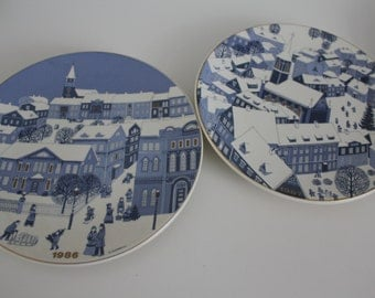Large christmas series plate, by Arabia -by your choice