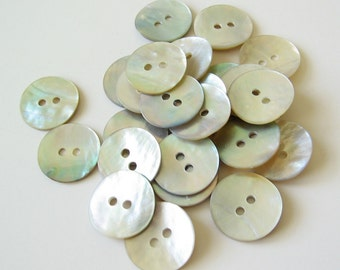 20 natural shell buttons 14mm 9/16""