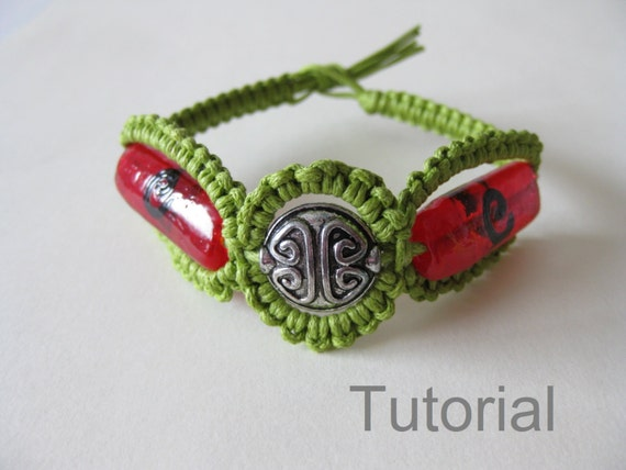 Knotted bracelet tutorial macrame pattern pdf instructions diy red green silver bead diy makpame step by step handmade micro photo tutorial