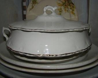 Vintage White Homer Laughlin HUDSON Porcelain Ironstone China Gold Trim Tureen Serving Bowl & Lid Jeanne D' Arc Style Grunky Cottage Tvat