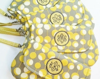 Bridesmaid Set - Monogrammed Wristlet/Clutch in Yellow and Grey- Wedding Clutch - Bridesmaid Clutch