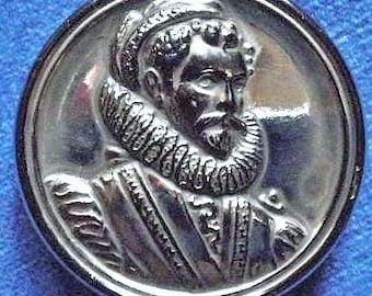 Sir Walter Raleigh button, vintage, Elizabethan explorer, English, black lustre glass , an English button c 1953.